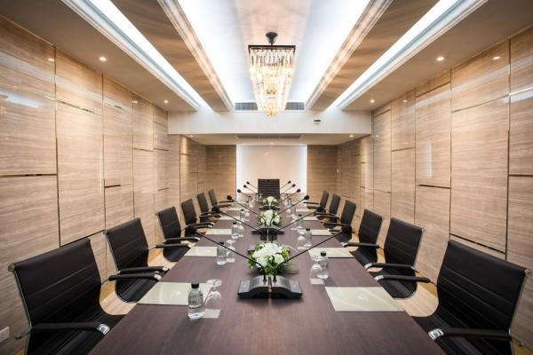 meeting-room14A28799A-963C-9CAF-CE23-6E6ABD1F8931.jpg