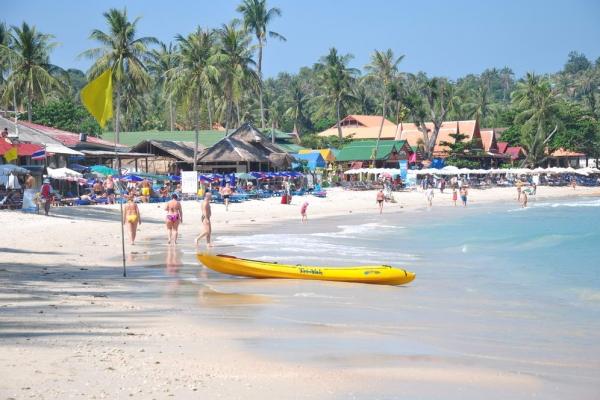 beach1288790C2-B732-CA4D-D325-EF5D2C4A9A68.jpg