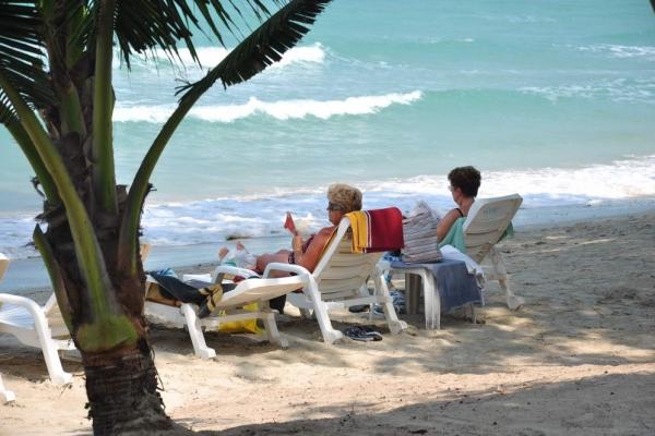 beach3058DCF75-F3CE-CEA6-2C88-EA28C11C8206.jpg