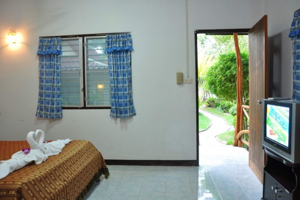 standard-room19494637E-D84B-102B-D372-2C5D8DCBB166.jpg