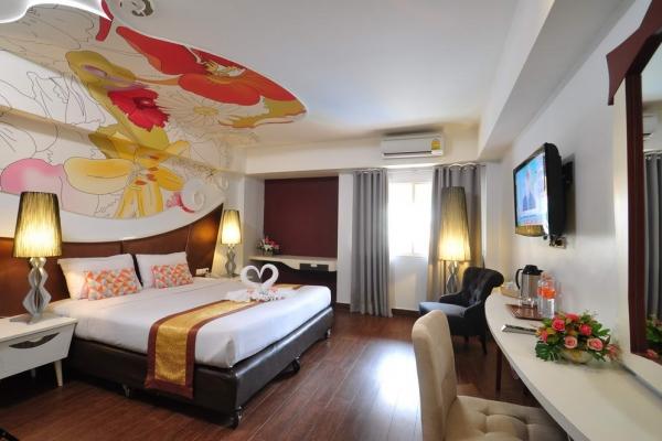 room01011CD8E9-FB81-9D40-D10B-0459D5945D45.jpg