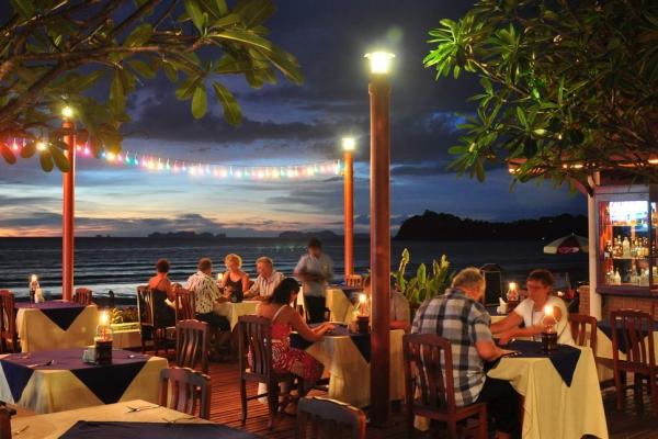 restaurant19B781A7D-B2A7-955B-2C20-1776BF91BC52.jpg