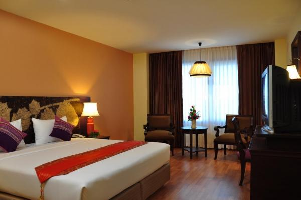 hotel-room059708209C-09EA-D5B1-D3A6-679C145E53C3.jpg