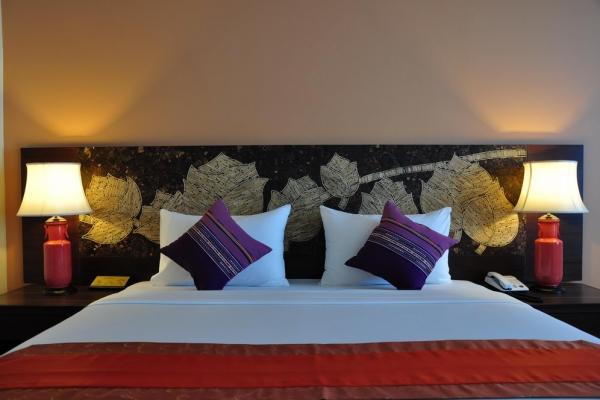 hotel-room161184F41B-8943-C4BB-A5B3-F4841EA2D5C8.jpg