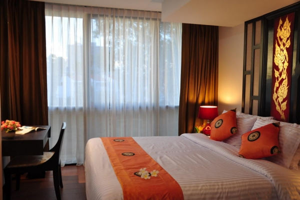 hotel-room25E6F7846D-FFCF-529B-B5F0-38C54E747FA9.jpg