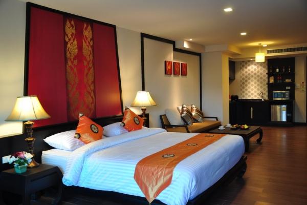hotel-room347EB6DEC8-EC33-FDBE-C18C-1C46FF6A6F0A.jpg