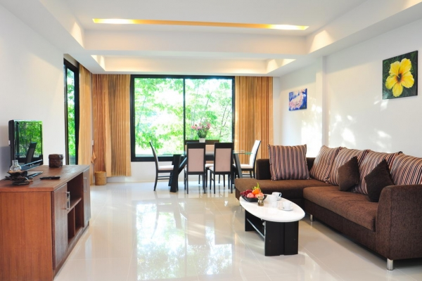 hotel-room509B6FA683-E637-7543-6585-A0F06AACC471.jpg